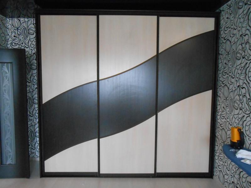 Шкаф черная волна